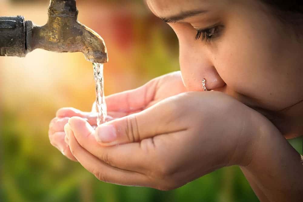 ナチュラルウォーターや天然水との違い